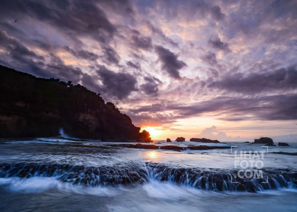 Pesona Keindahan Pantai Rancabuaya Garut Lihatfoto